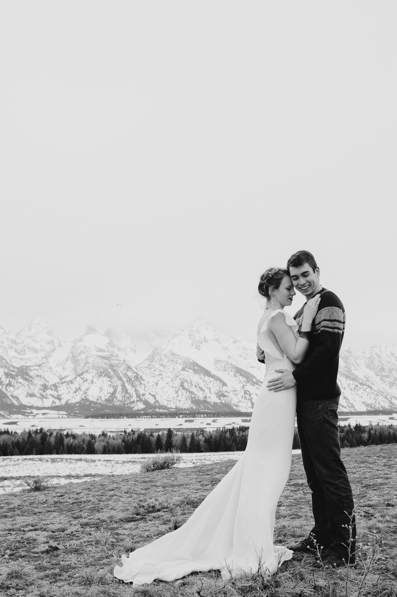 tetonstaralauren-3116 Grand Teton Lovers| Tara Lauren Wedding Gown