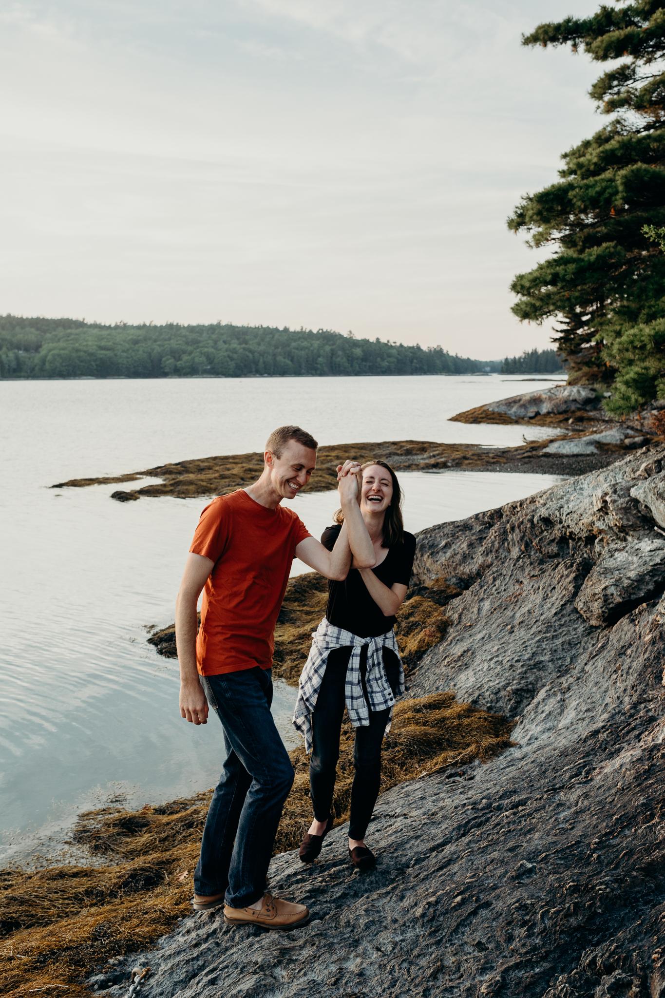 erinwheatco-2712 Anniversary Session on the Coast of Maine   Sarah & Dan